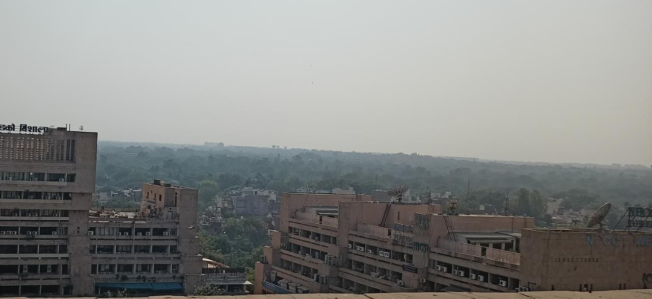 Delhi air quality dips to 'very poor' category